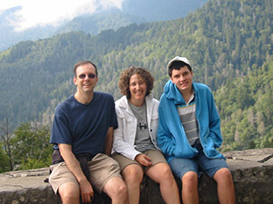The author, Leslie Kimmelman, with her family outdoors